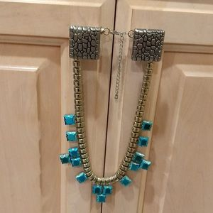 H&M: Statement Necklace
